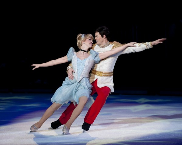 Disney-on-Ice-Cindy-and-Prince-1024x818